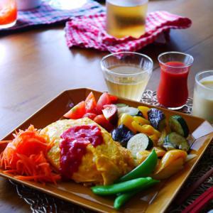 子供と昼ごはん。ウォーキングとトマト。