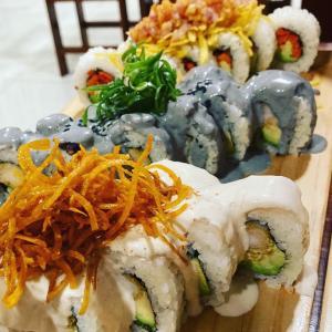 ペルー⭐︎ラーメン屋さんで、お寿司食べてきました