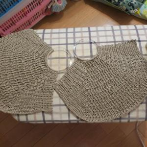 LiLinana*さんの引き上げ模様の丸ハンドルバッグ編みました