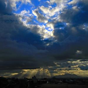 朝空と斜光