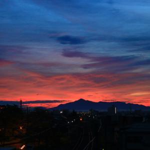 今日の朝焼け、日の出