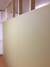 子供部屋の壁をDIY 石膏ボード貼り