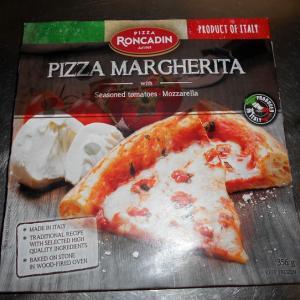 イタリア産の冷凍マルゲリータ・ピザを食べてみる