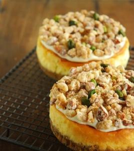 和栗のモンブランとナッツのチーズケーキ