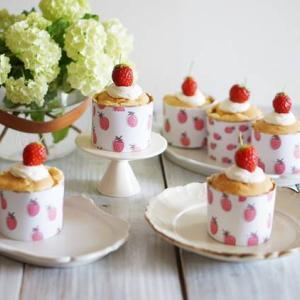 いちごのカップシフォンケーキ