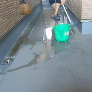 バルコニーの掃除