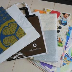 紙類、袋類の整理