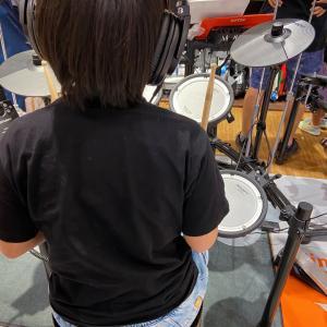 電子ドラム。