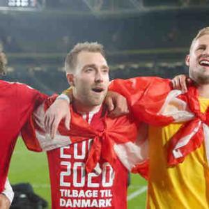 デンマーク代表のMFエリクセンが試合中に突然倒れ、心臓マッサージをうける 試合は中止