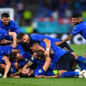 <UEFA EURO2020> イタリアが決勝T進出一番乗り! ロカテッリ2発&インモービレ2戦連発でスイスに快勝