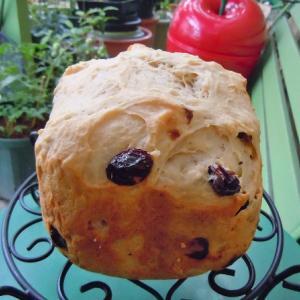 きょほう~~~♪巨峰の干しブドウパンを焼きました。