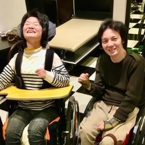 車椅子の卒業式の洋服の相談