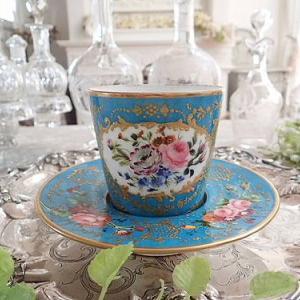 ★☆ アンティーク陶磁器の魅力 ~カップ&ソーサーの装飾~ ★☆