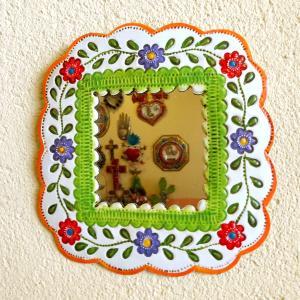 メキシコのお花のブリキ壁掛けミラー[Pick Up]