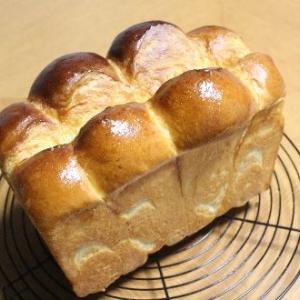 ホテル食パンとカジキマグロのアラ煮♪