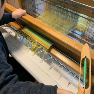 流れに乗って、手織り教室を開催中 by sen