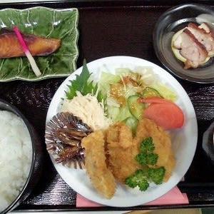 1209) 松幸日替わりランチ ~カキフライ・モロコの甘露煮/ブリの照り焼き