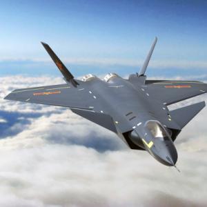「韓日が導入の米ステルス機F35より中国の殲20が優秀」