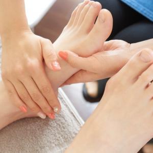 素足を出す季節♩足裏角質ケアはいかがですか?