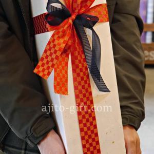 持ち込みラッピング事例 還暦祝いの日本酒