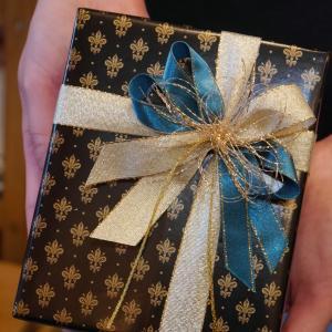 持ち込みラッピング事例 誕生日プレゼントのワイヤレスイヤホン