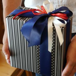 持ち込みラッピング事例 誕生日プレゼントのベルト