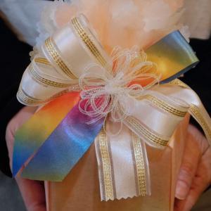 持ち込みラッピング事例 誕生日プレゼントの一輪挿し