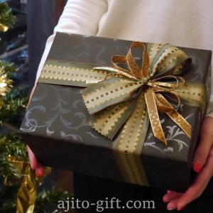 持ち込みラッピング事例 クリスマスプレゼントのカシミアセーター
