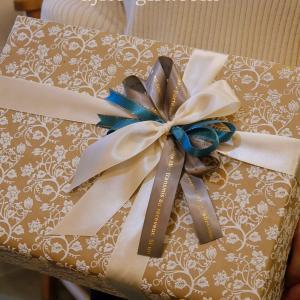持ち込みラッピング事例 K-POPアイドルへ贈る誕生日プレゼント