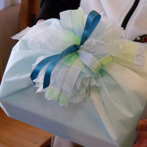 持ち込みラッピング事例 誕生日プレゼントのアロマおしぼり