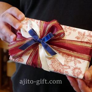 持ち込みラッピング事例 誕生日プレゼントの革ポシェット