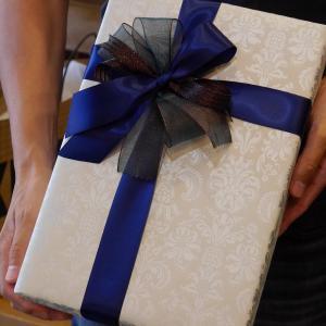 持ち込みラッピング事例 誕生日プレゼントのハンドケア用品