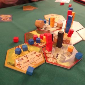 『塔とカタパルト』レビュー 当たらなーい!砲弾を飛ばして塔を壊せ!