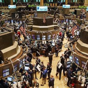 【欧米市場】ダウ平均株価反落、前日比255ドル68セント(0.94%)安