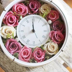 【花時計】人気の花時計レッスン ピンク系のアレンジが出来上がりました
