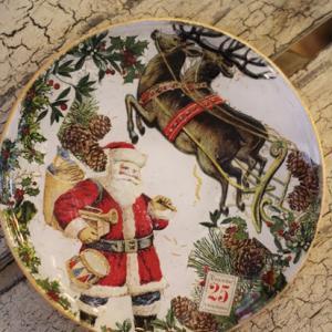 【デコパージュ】クリスマスプレート♡ お気に入りのデザインで出来上がりました❀
