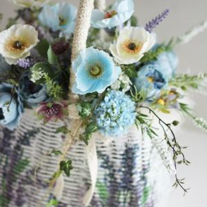 【デコパージュ&フラワー】#籐で編んだ籠にデコパージュ-2#ブルーシリーズのアレンジメント