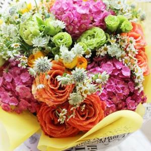 【花束のご注文】タイは大学の卒業式シーズン❀花束をタイのお友達に差し上げるって素敵☆彡