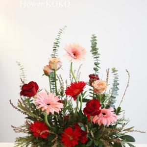 【生花アレンジメント】今回は赤で❀❀❀秋色で華やかに