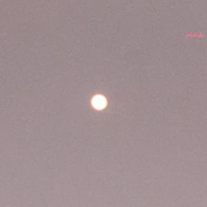 4月の満月スーパーピンクムーン