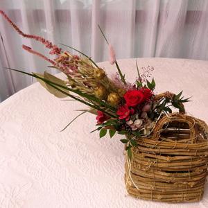 ★☆プリザ-ブドアレンジ・ナチュラル花束を蔓バスケットに♪☆★