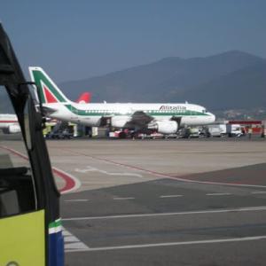 アリタリア航空、75年歴史に幕 イタリア、後継「ITA」が始動