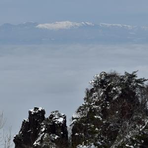 なごり雪と雲海の霊山