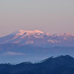 瑠璃色の箕輪山