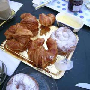 貧乏人のカフェと言うがいい!スペイン人の甘い菓子を甘いコーヒーでなんて考えられない