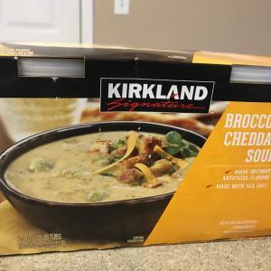 COSTCO SALE中★カークランドのブロッコリーチェダースープ