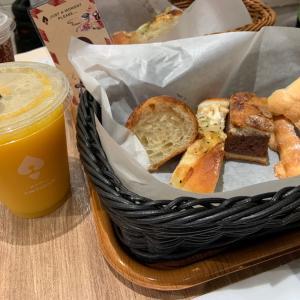 アンティークのパン食べ放題
