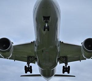 飛行機と夜景