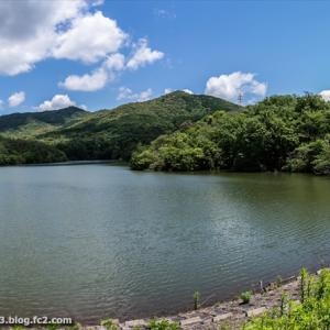 築水池 弥勒山