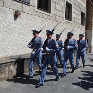 1日目の衛兵交代